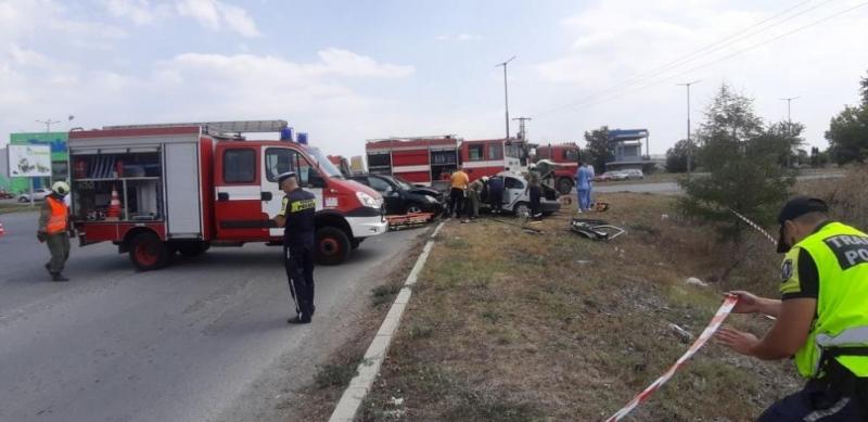 Мъж загина при катастрофа между джип и лека кола в