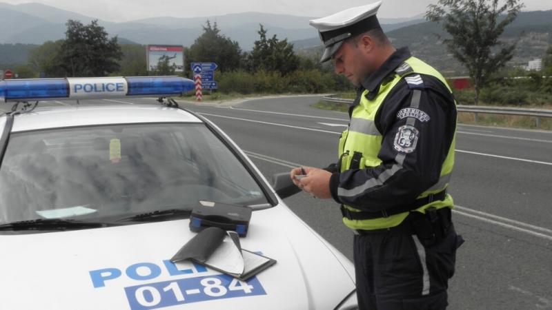 """Служители на """"Пътна полиция"""" започнаха акция за контрол на използването"""