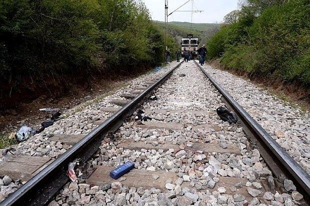 Мъж е прегазен от бърз влак близо до гара Костенец.
