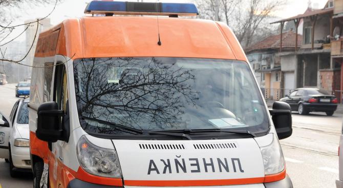 Снимка: Шофьор блъсна ученик и избяга, полицията го издирва
