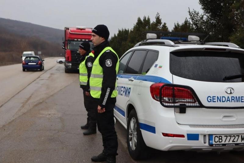 Близо 11 000 автобуси и товарни автомобили бяха проверени, установени са много нарушения