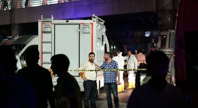 Най-малко 11 имигранти са загинали, а поне 30 - пострадали