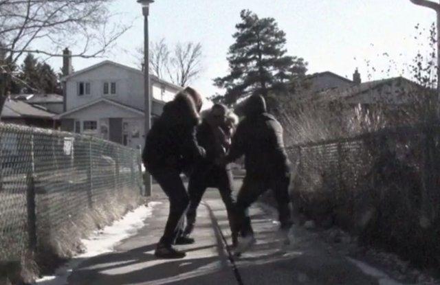 Биха и ограбиха мъж в Пловдив