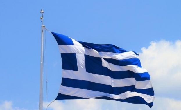 Гърция отваря кафенета и ресторанти