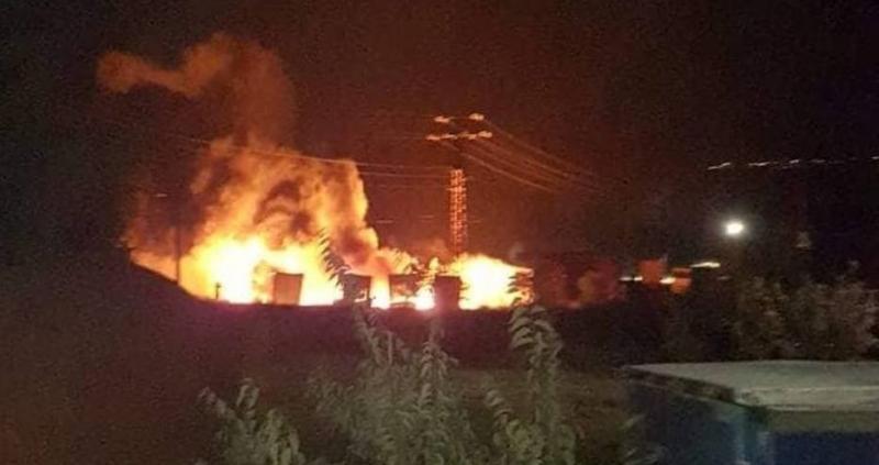 Голям пожар избухна около 21.30 часа снощи в Айтос, съобщава