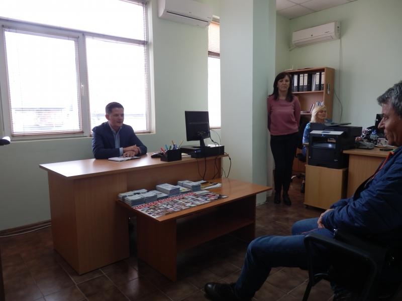 Председателят на КЗП посрещна граждани във Враца