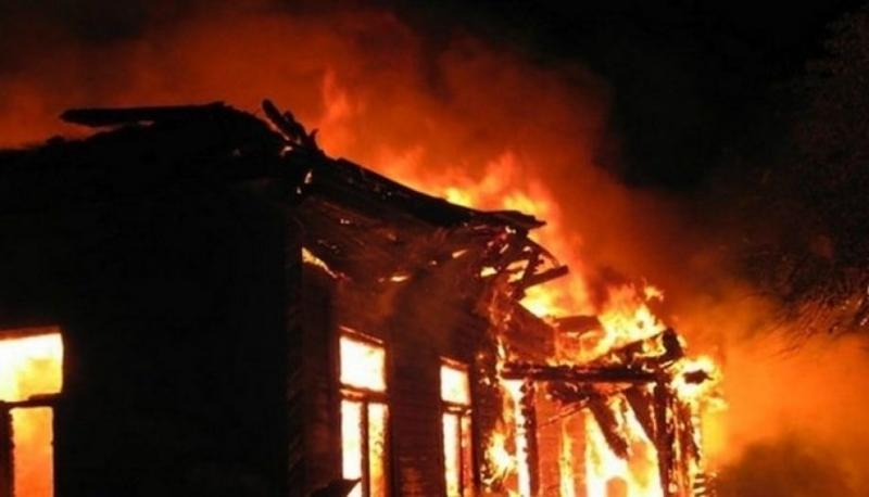 Три къщи са бил запалени преди минути във врачанското село