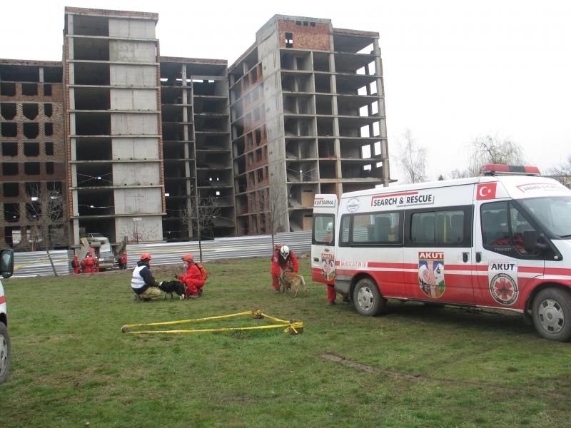 140 спасители и пожарникари от Грузия, Дания, Турция и Италия