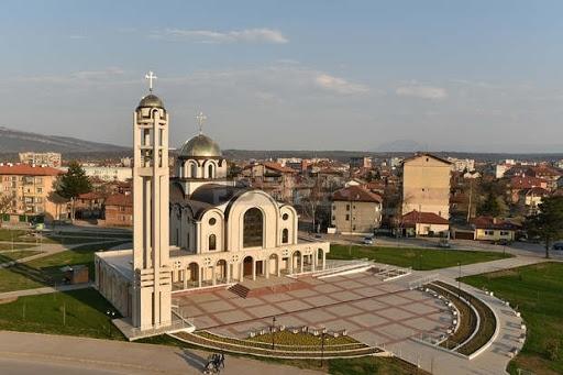 """Започна изографисването на храма """"Свети Дух"""" в Монтана,съобщи кметътЗлатко Живков."""