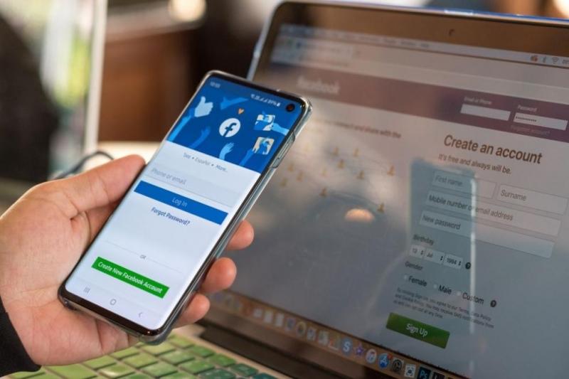 Технологичните гиганти Фейсбук и Телеграм бяха глобени в Русия за