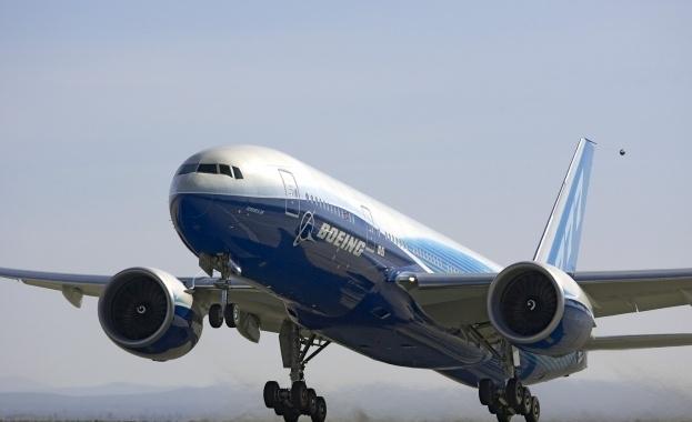 Още един Boeing 777 се наложи да кацне аварийно след