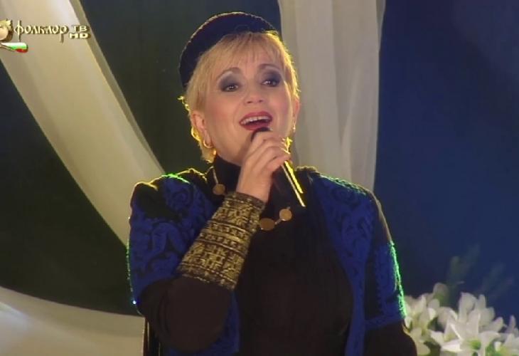 Районната прокуратура в Пловдивразследва концерт на Николина Чакърдъкова.На общински съвет