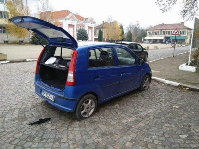 С потрошени автомобили осъмнаха политици от Видин, научи агенция BulNews.