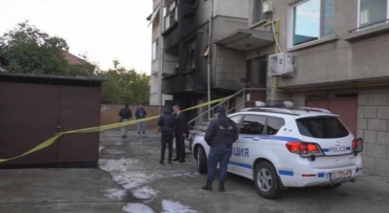 Запалена пиратка е потрошила входа на жилищна сграда в Монтана,