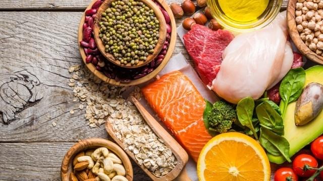 Вижте как да си хапвате и да топите килограмите