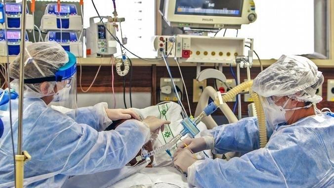 25-годишен американец, заразен с COVID-19, е бил на прага на