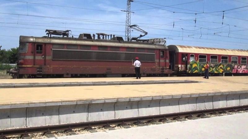 Баба скочи под влак, бере душа в болница