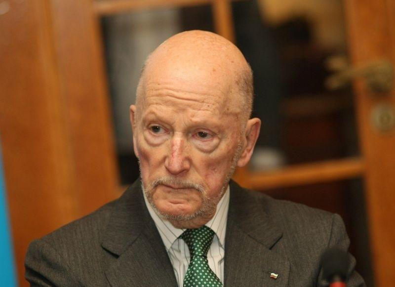 Бившият премиер и бивш цар Симеон Сакскобургготски направи обръщение по