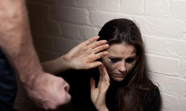 Рецидивист от Врачанско, пребил брутално жена си, побърка полицията с