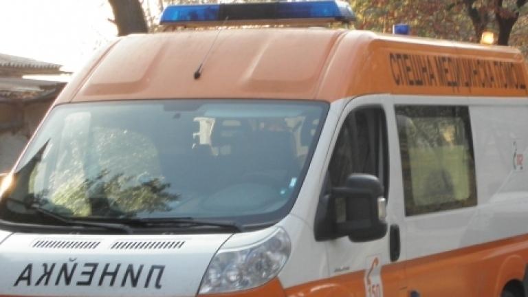 Мъж загина при катастрофа между кола и камион на пътя