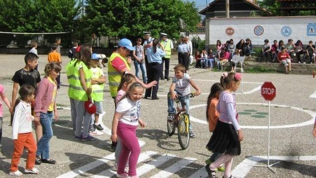 Децата и учениците ще учат безопасност на движението по пътищата