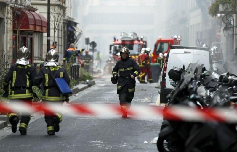 Експлозия в хлебарница в Париж, най-малко 20 ранени /снимки/