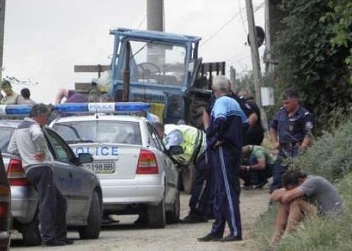 Нелеп инцидент! Пиян тракторист помете пешеходка на кръстовище в Бяла Слатина