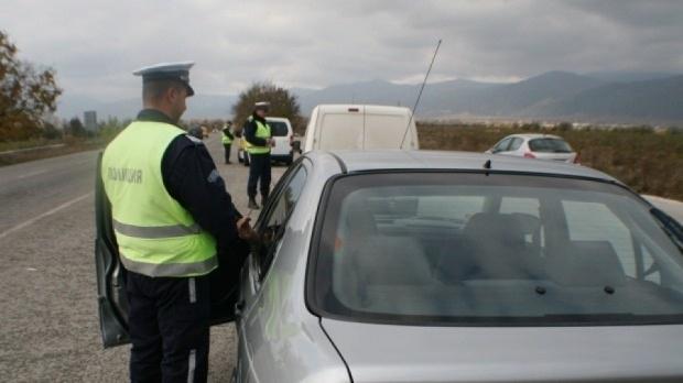 Полицаи от Враца са извършили проверки на над 150 лица,