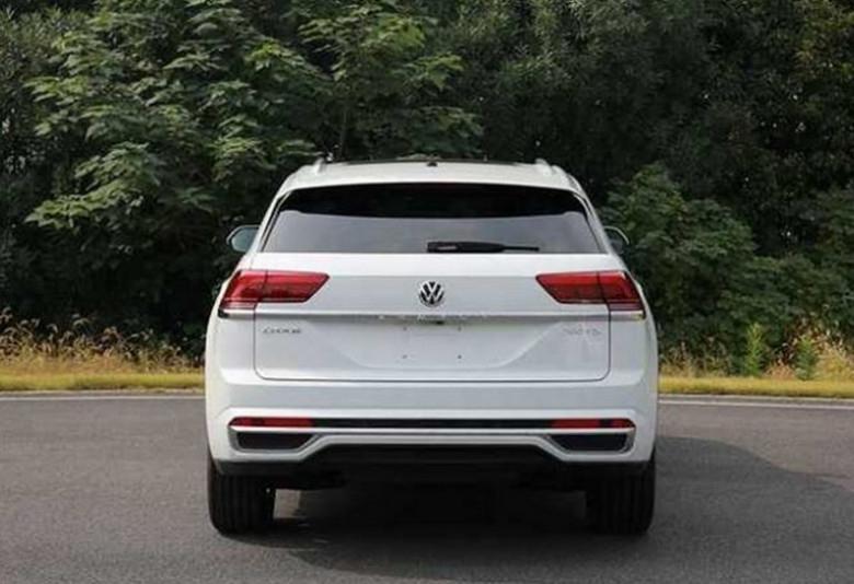 Новият Volkswagen Atlas Cross Sport бе заснет в Китай. Първият