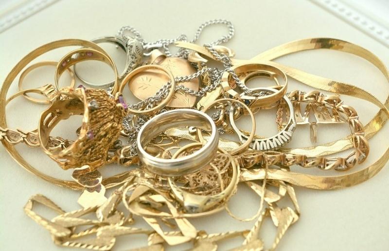Апаш задигна злато от къща в Лом, съобщиха от МВР