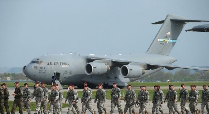 Снимка: САЩ ще изпратят допълнителни войски в Саудитска Арабия и ОАЕ