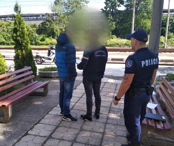 """При съвместна проверка на звено """"Инспекторат"""" и полицията в града"""