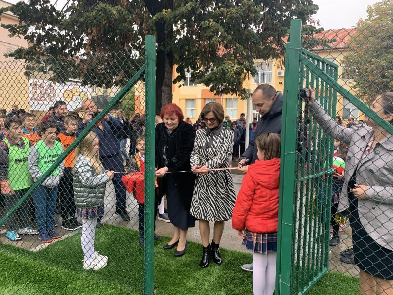 Областният управител Малина Николова присъства на тържественото отбелязване на Деня