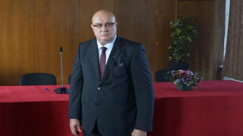 Новоизбраният кмет на община Видин д-р Цветан Ценков, общинските съветници