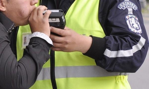 Подпийнал шофьор е хванат от полициятра да кара в Мездра,