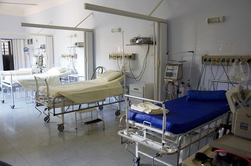 """Лекарите в """"Пирогов"""" продължават да се борят за живота на"""