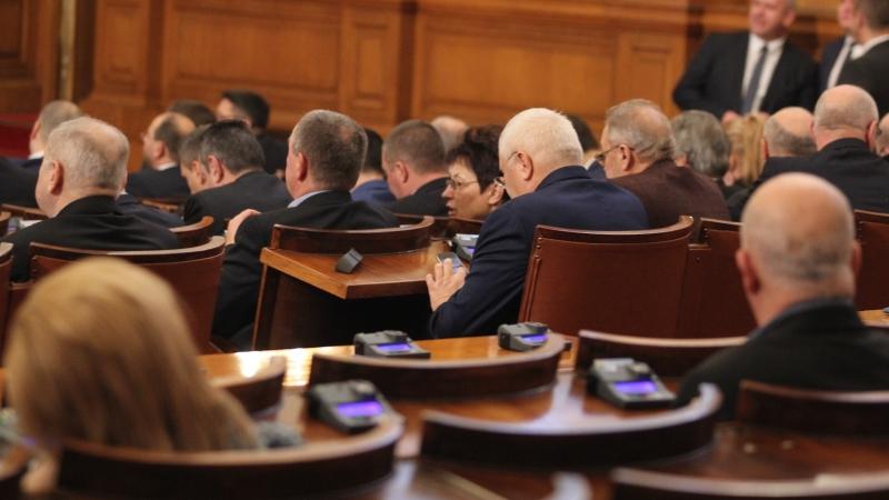 Снимка: Депутатите единодушно приеха на първо четене Закона за социалните услуги