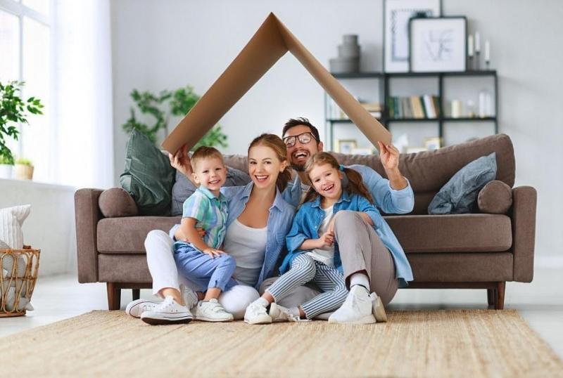 За нормален живот на 4-членно домакинство(2 възрастни и 2 деца)