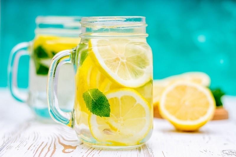 Какво се случва с тялото, ако пием лимонена вода всеки ден