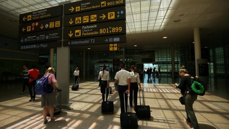 Колумбиец е задържан на летището в Барселона с половин килограм