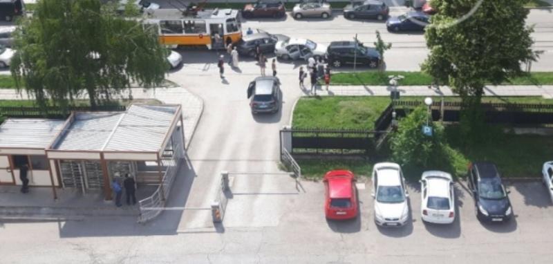 Няколко коли и трамвай се удариха в София, съобщава Нова
