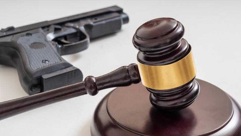 Подсъдим се застреля в съдебна зала, след като получи присъда за корупция