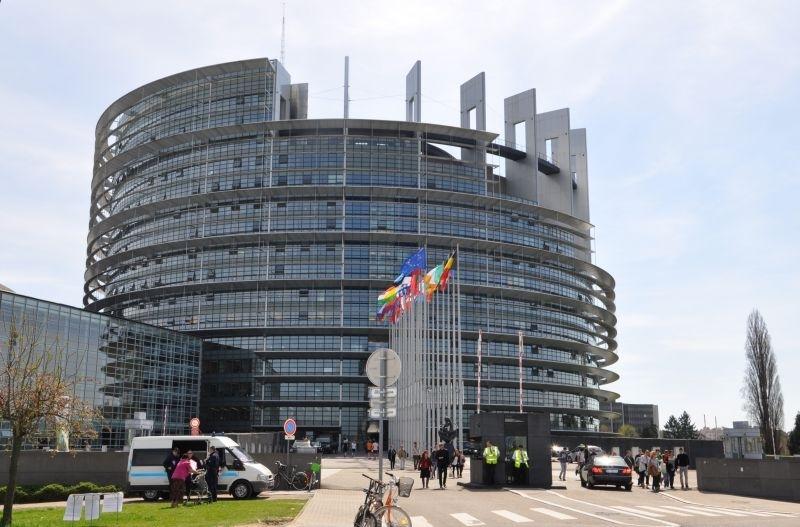 Говорителят на Европейската комисия Ерик Мамер отхвърли твърденията, че ЕК