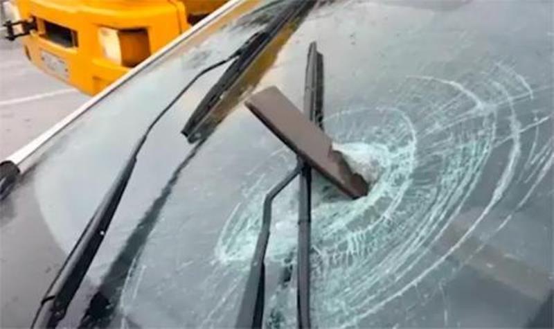 Два ТИР-а са били изпотрошено край монтанското село Славотин, съобщиха