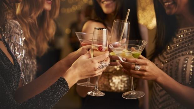 Пиещите умерено алкохол са по-добре здравословно от тези, които не