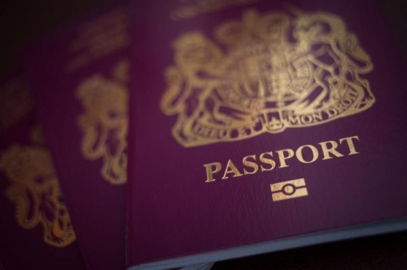 Временно българи ще могат да кандидатстват за уседналост във Великобритания само с международен паспорт