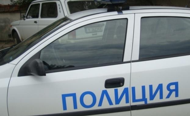 Тялото на 60-годишен мъж е намерено в лек автомобил на