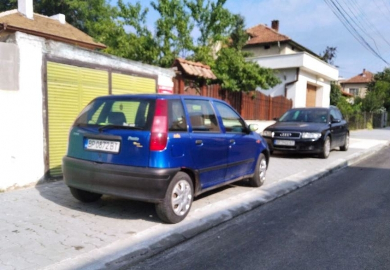Акция срещу неправилното паркиране започва Община Мездра. За целта със