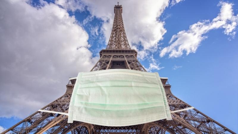 Париж направи задължително носенето на предпазни маски дори на открито