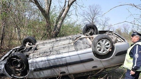 Младеж открадна кола и катастрофира в Монтанско, съобщиха от полицията